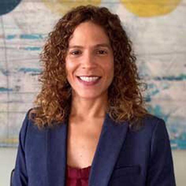 Dr Jennifer Pena